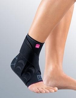 Medi Levamed active бандаж голеностопный с силиконовыми вставками и фиксирующим ремнем